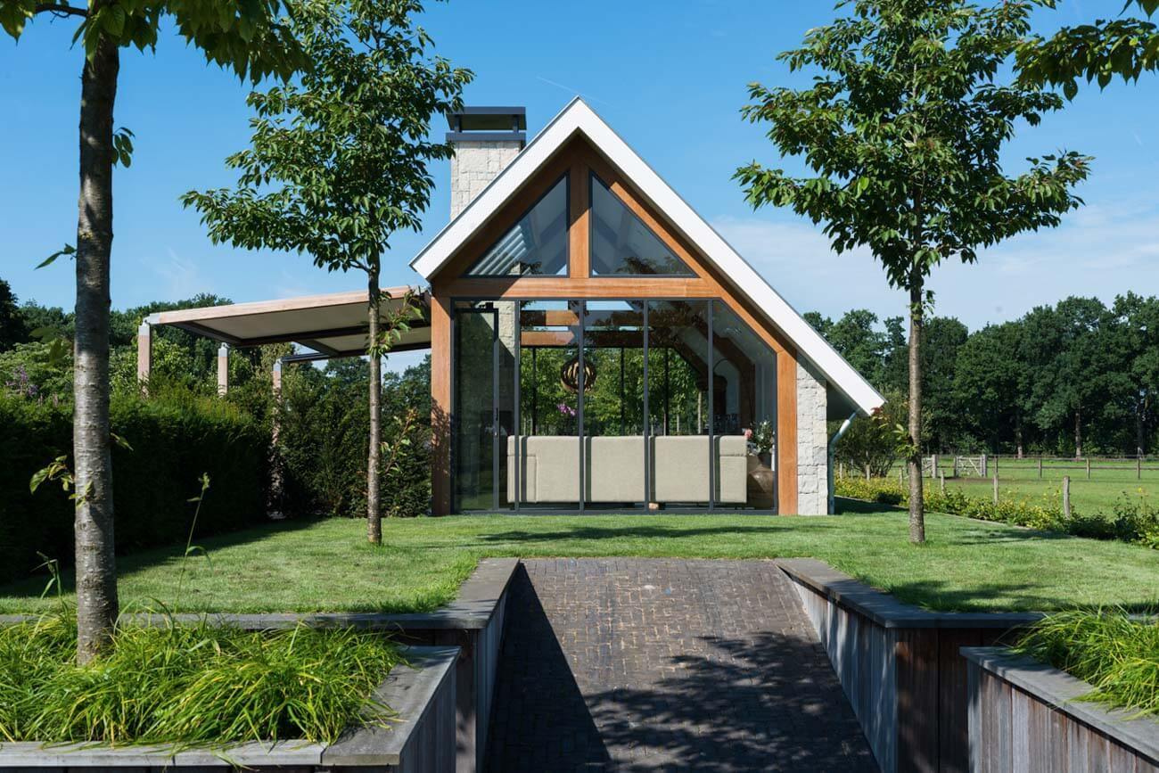 Moderne houten tuinkamer Lunteren